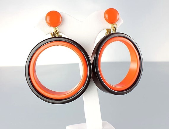 Vintage Mod plastic Hoop Earrings Orange Brown large hoop