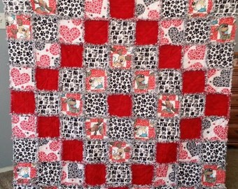 Red and Black Dog Paws Flannel Rag Quilt