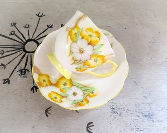 Tea Cup Yellow Tea Cup Royal Albert Petunia Crown China Teacup Porcelain Tea Cup Yellow Tea Cup Housewarming Gift Vintage Teacup