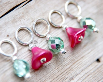 Flower Stitch Markers // Knitting Markers // Hot Pink and Mint Green // Flower Knitting Markers // Snag Free // Set of 5