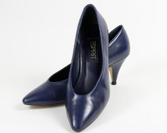 Vintage Pair of Faux Snake Skin Pumps by Espirit in Royal Blue  Size 7 circa 1980s.