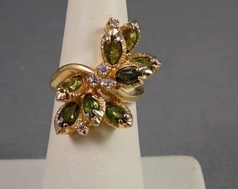 Green Tourmaline and Diamond flower Ring 1.75Ctw Yellow Gold 14K 7.6gm Size 5 From 1970s Era