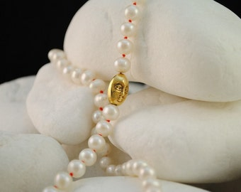 """Handmade Pearl Necklace with Solid 14K Gold details """"Face"""""""