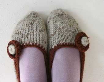 Slippers in Grey and Brown - Socks - Fall Winter Fashion - Teens Women Accessories