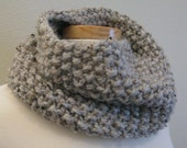 Warm Luscious Cowl / Grey Marble