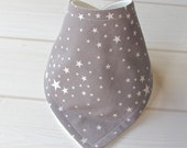 Bandana Dribble Bib with Organic Bamboo/Cotton Fleece and 'Grey Stars' fabric  - A Gift Idea by Cwtch Bugs