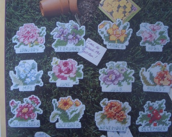 Plastic Canvas Flowers Year of Floral Magnets Pattern Leaflet 1562