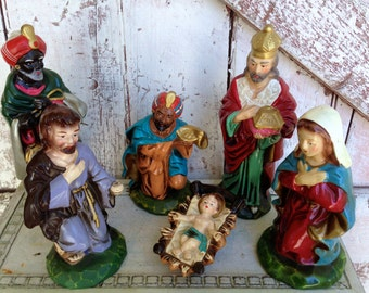 Large nativity figurines vintage plaster Mary Joseph Baby Jesus Wise men, made in Japan