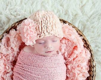 Newborn Hat - Glamour Beanie line 'CREMA' - knit baby hat - detachable flower clip - photo prop - knitbysarah - Stitches by Sarah