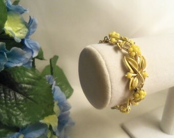 Sale- Chic Coro Rare Women's Vintage NEVER WORN High End CORO Yellow Enamel Flowers Link Bracelet Fold Over Clasp- Birthday Gift Her Mom Mum