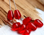 Red czech glass beads - teardrops, pear, berry red, long - 11x7mm - 20pc -0105