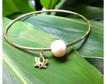 Freshwater Pearl & Lotus Charm Bangle - lotus flower, namaste, bangle, yoga jewelry, beach bangles, beach jewelry, hawaii, kauai