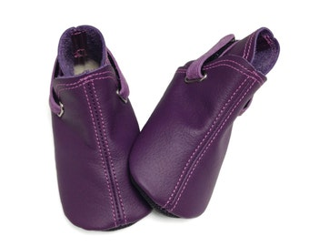 Lambswool lined purple leather baby boots.  Handmade leather baby shoes.