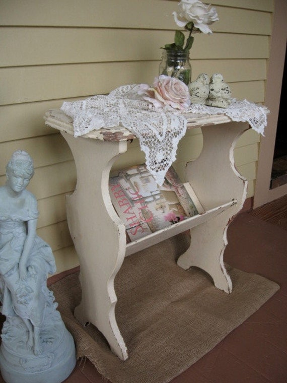 shabby chic white table vintage plant table magazine rack. Black Bedroom Furniture Sets. Home Design Ideas