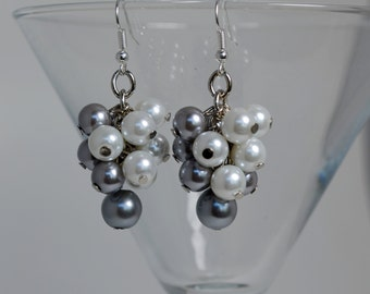 Gray and White Pearl Cluster Earrings, Bridal Earrings, Chunky Earrings, Pearl Jewelry, Bridesmaids Earrings, Wedding Jewelry Gray Earrings