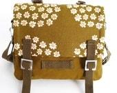 Small Messenger Bag - Marimekko - Puketti in Army Green, White, Orange