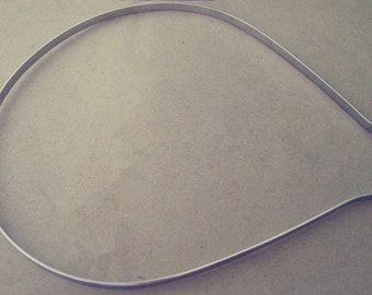 20 Pcs White K metal Headbands Bent Ends 4mm