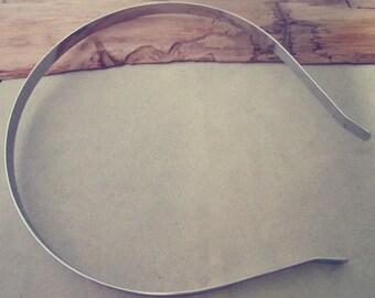 100 Pcs White K Headbands Bent Ends 7mm
