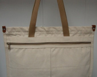 vintage cream canvas purse/tote bag by 'Wild Duck'  . . . . . gently used . . . .excellent condition