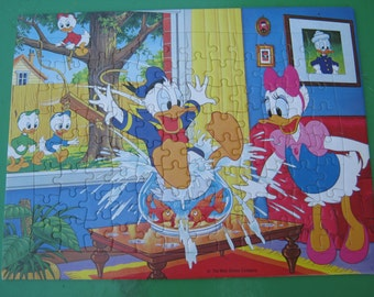 Donald Duck - Holiday with Donald - Murfett Regency - Tray Jigsaw Puzzle Vintage