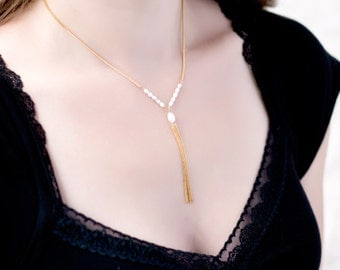 681_Gold necklace, Pearl necklace, Dangle necklace, Necklace pearls, Minimalist necklace, Thin necklace, Chain necklace,Beautiful necklace