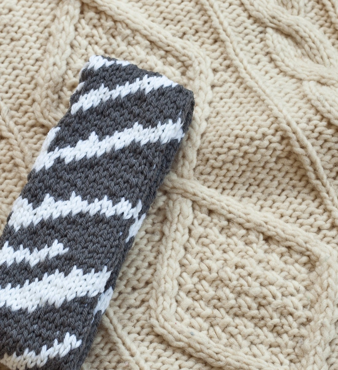 Zebra Print Knitting Pattern : Knitting pattern zebra stripe headband from