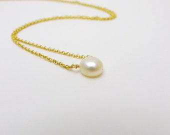 Tiny fresh water pearl necklace / Gold filled / minimalist /