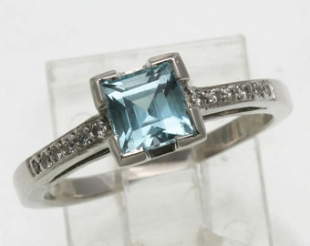 Vintage 14k white gold Blue Topaz Diamond Ring 1 carat Stunning solitaire with accents