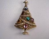 Items similar to Vintage Christmas Tree Brooch ...