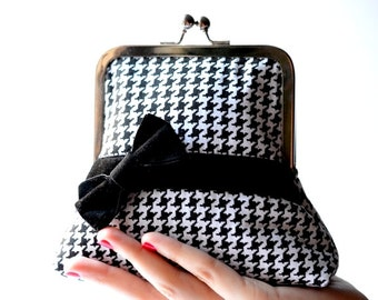 Black & White Houndstooth Kisslock Clutch, Kiss-Lock Frame Cosmetic Pouch