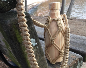 Macrame Water Bottle Holder in Tan