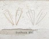 Delicate Geometric Earring/Brass/Gold/Silver/Delicate/Dainty/Modern Jewelry/Earrings/Three Dimensions/Handmade Earring/Wire Earring/NYC/