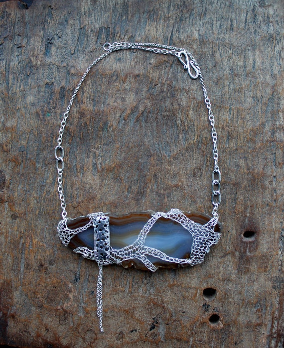 FUDZI Agate Slice Wrapped in Silver Crocheted Mesh Necklace