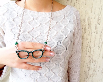 Green Spectacles Necklace