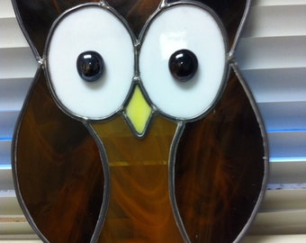"""FREE SHIPPING ! approx 8"""" x 8"""" stained glass owl ."""