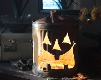 Halloween! Vintage Oil Can Jack-O-Lantern Lamp.