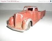 On Sale 1940's Tootsietoy International Truck