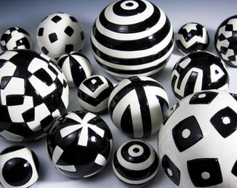 WallBalls - Black&White Basic Grouping