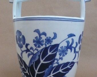 Vtg Seymour Mann China Blue Fine Porcelain Chinese Water Pail Vase Display