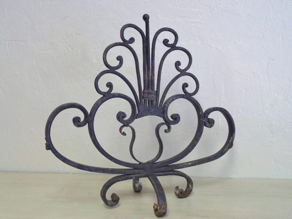 Vintage Iron Indusrial Forged Rustic Metal Garden Art