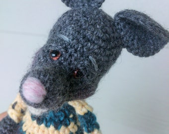 Mini artist bear - Rodney the Rat, thread crochet art doll