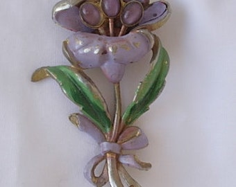 Pot Metal Brooch Pin Signed USA Very Large Multi Layer Lavender Purple Flower & Bow Green Leaves Enamel on Gold Tone Metal Cat Tiger Eye