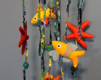 Steiner Waldorf inspired felt fish and star fish mobile, hanging, decoration, home decor, nursery. Under the sea mobile. Whimsical fish.