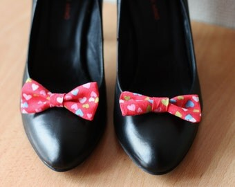 Red bows shoe clips with multicolor hearts