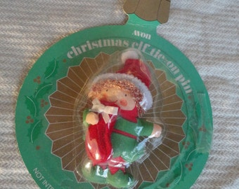 Vintage Avon Christmas Elf Tie on Pin named HappyMade in Taiwan Made in 1987 Original Package
