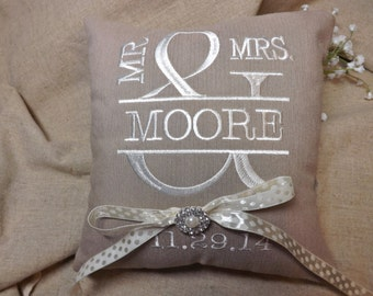 Mr & Mrs Ring Bearer Pillow, embroidered ring bearer pillow, personalized ring bearer pillow, wedding pillow,ring pillow