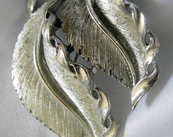 Brushed Silver Tone Double Leaf Brooch Pendant - Signed LISNER - Vintage