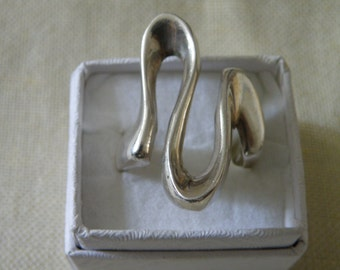 Modernist Mid Century Curvilinear Sterling Silver Ring - Size 10 1/4 U.S.