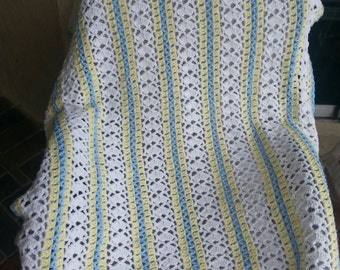 Crochet baby boy blanket with white/yellow/blue