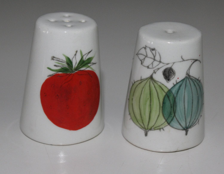 Cute Marja Pattern Salt And Pepper Shaker Pair By
